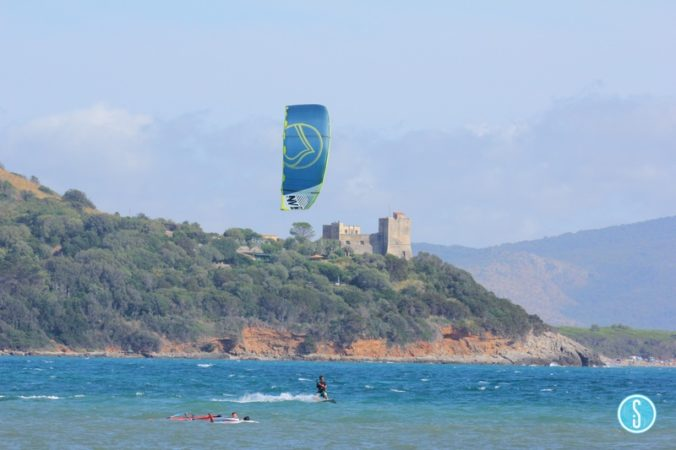 Kitesurfing the castle
